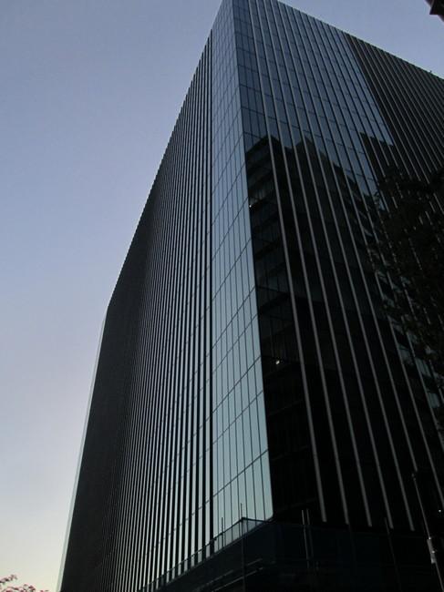 0001_新しいビル完成.JPG