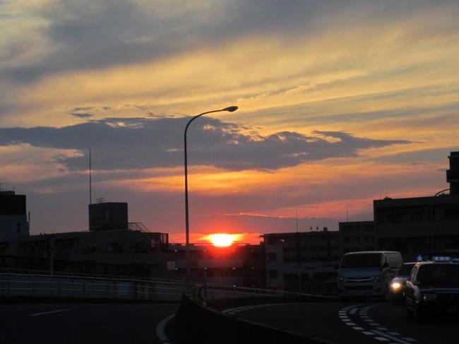 0002_保土ヶ谷駅から夕陽.JPG
