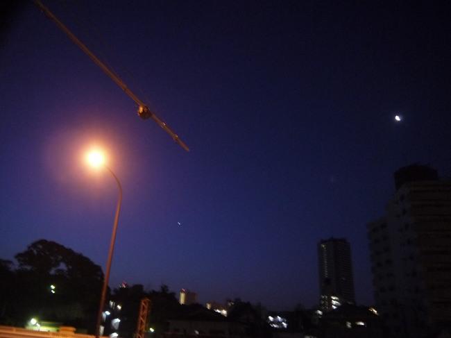 0356_東神奈川の東の空.JPG