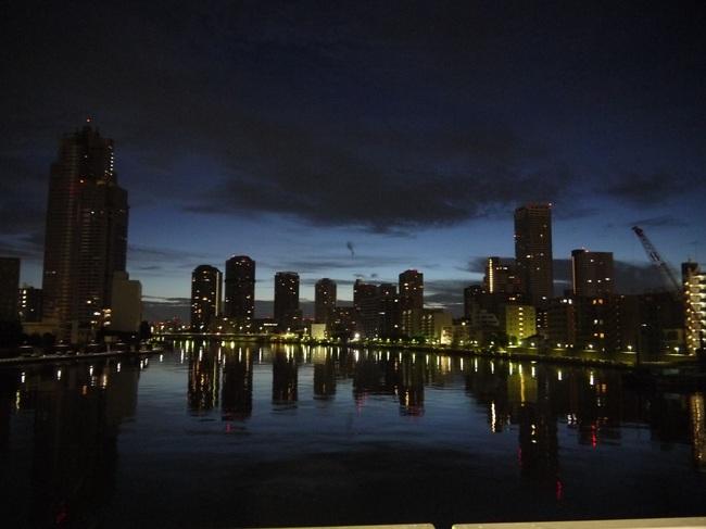 0418_勝鬨橋より薄明の空.JPG