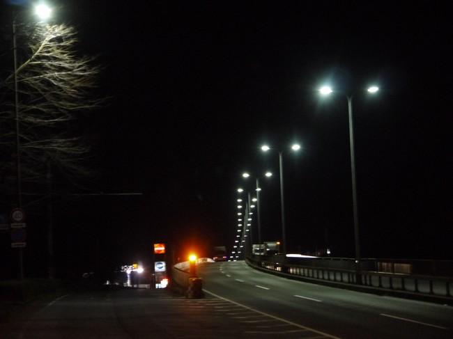 0421_ウネル街路灯.JPG