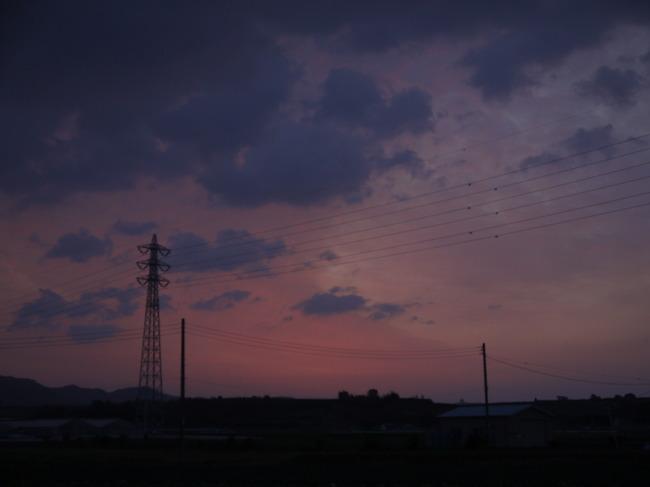 0505_ソレイユの丘手前の朝焼け.JPG