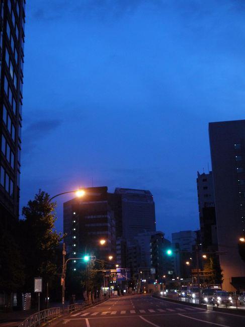 0509_やっと目が覚める街.JPG