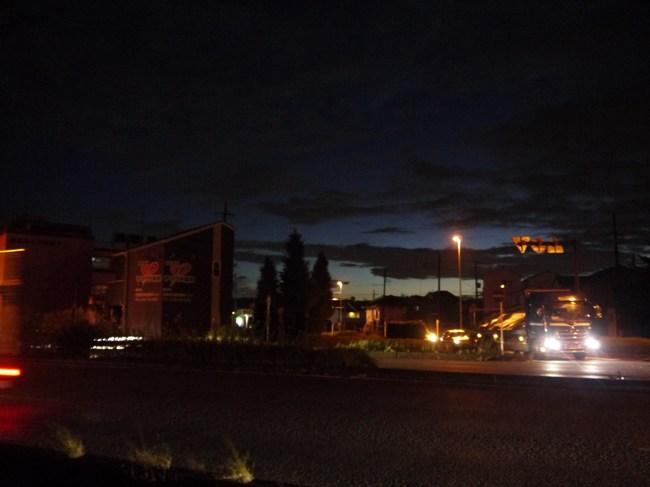 0516_橋本で夜明け.JPG