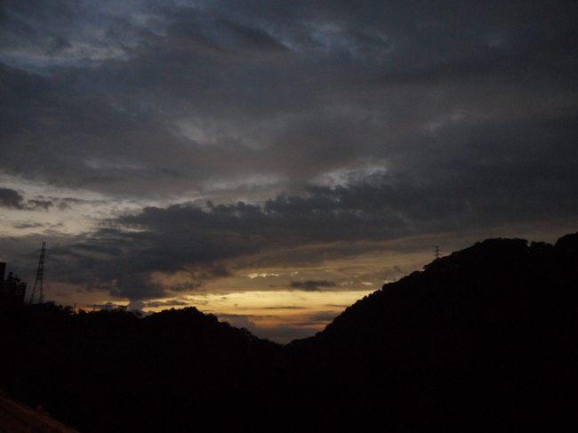 0517_津久井湖の朝焼け.JPG