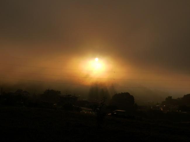 0518_牧馬峠登りからの朝日.JPG