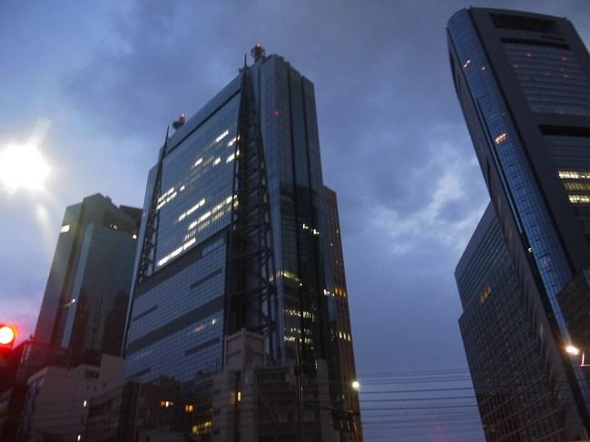 0524_汐留で夜が明ける.JPG