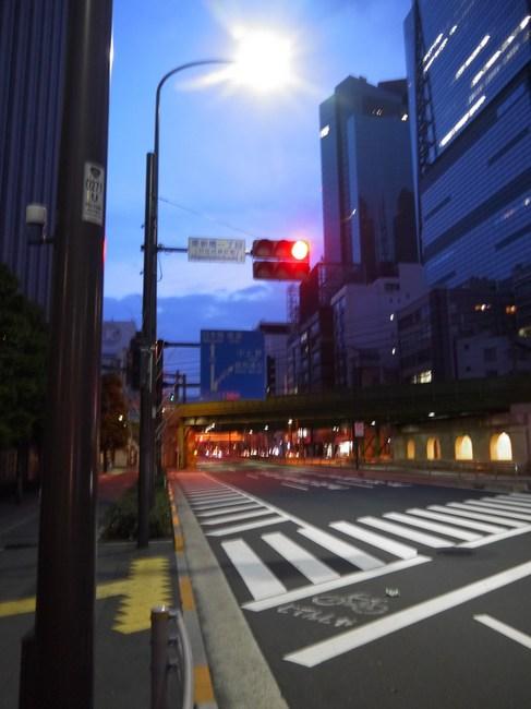 0525_新橋の交差点.JPG