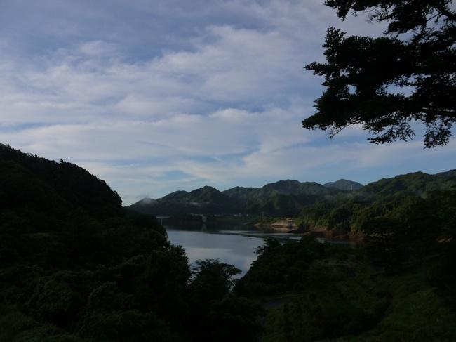 0529_宮ケ瀬湖の遠望.JPG