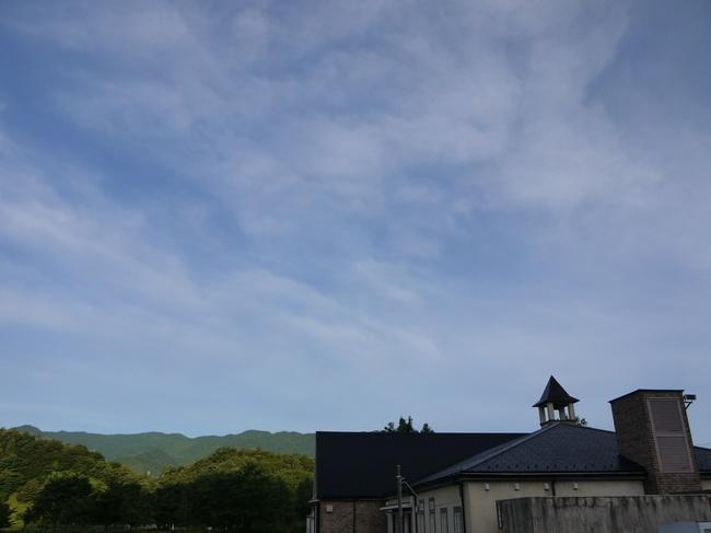 0530_奇麗な青い空.JPG