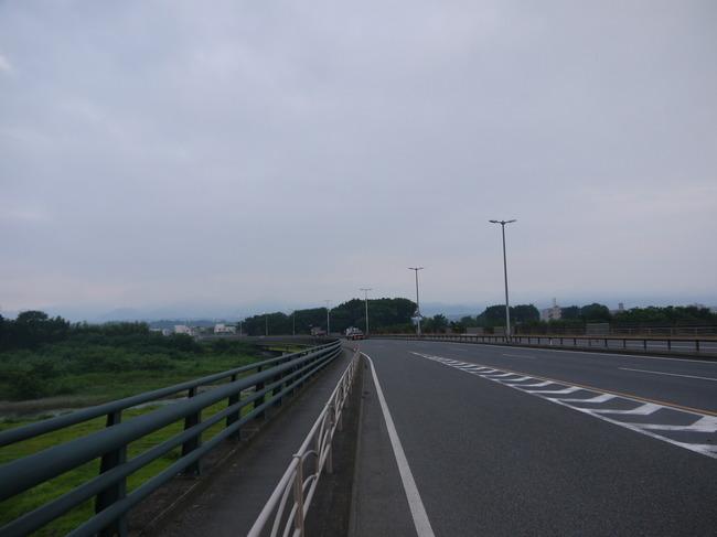 0531_中津川から丹沢山域.JPG