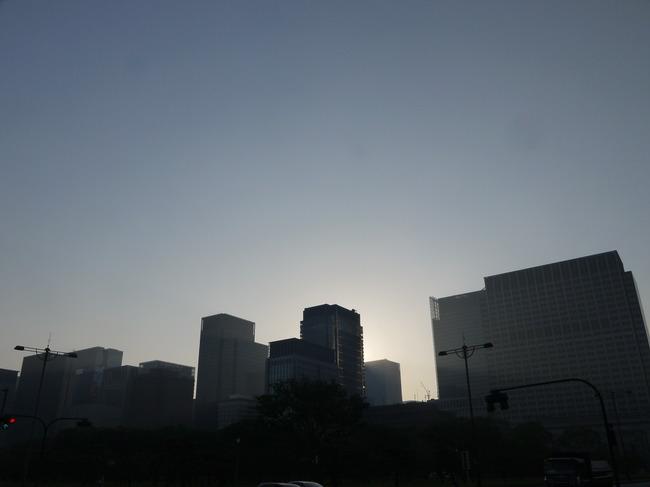 0538_大手町の朝日.JPG