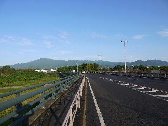 0546_中津川より丹沢の山々.JPG