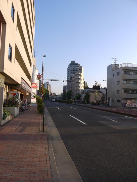 0550_ガラガラの環七.JPG