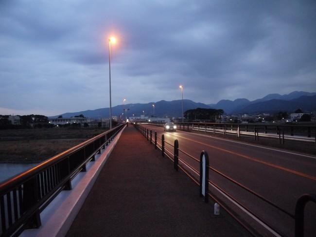 0551_酒匂川から箱根.JPG
