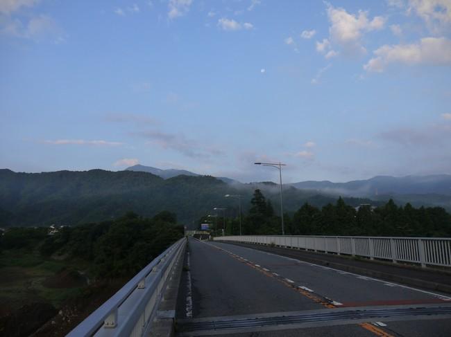 0555_大橋より宮ケ瀬中央公園へ.JPG