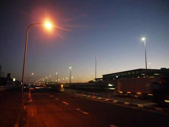 0559_塩浜付近で夜が明けだす.JPG