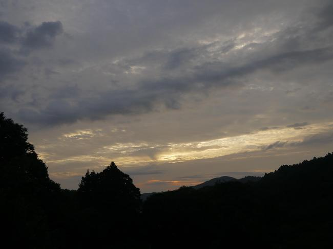 0602_宮ケ瀬の登りから朝焼け.JPG