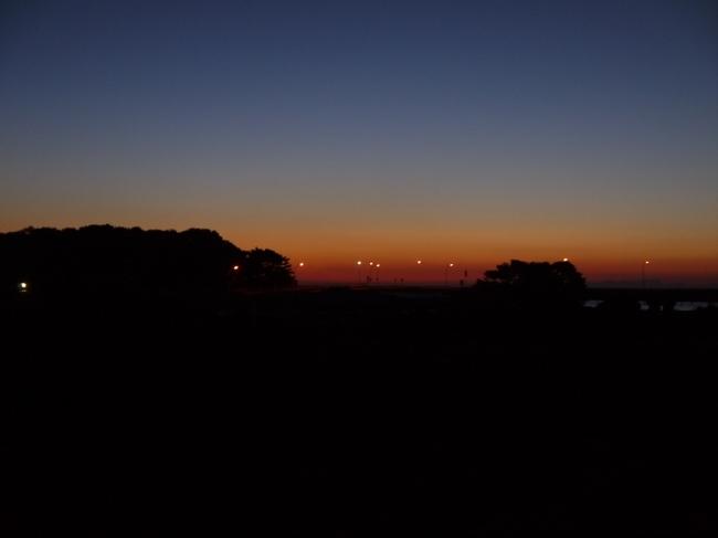 0604_酒匂川から東の空.JPG