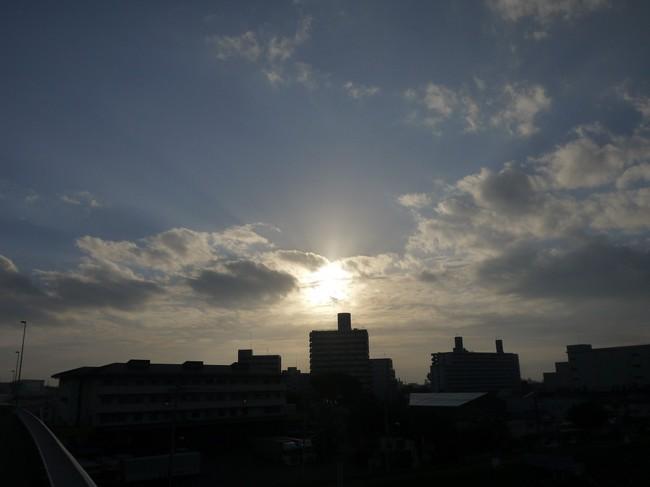 0611_多摩川で朝焼け.JPG