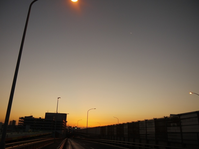 0617_船橋付近での夜明け.JPG