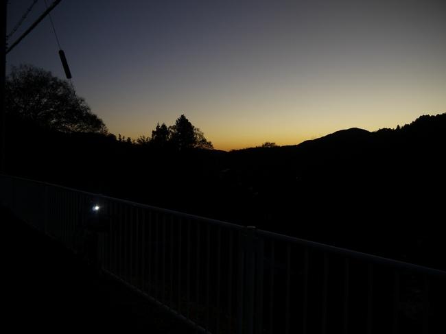 0629_東の空が光量増す.JPG