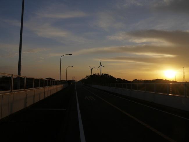 0633_風力発電所の朝.JPG