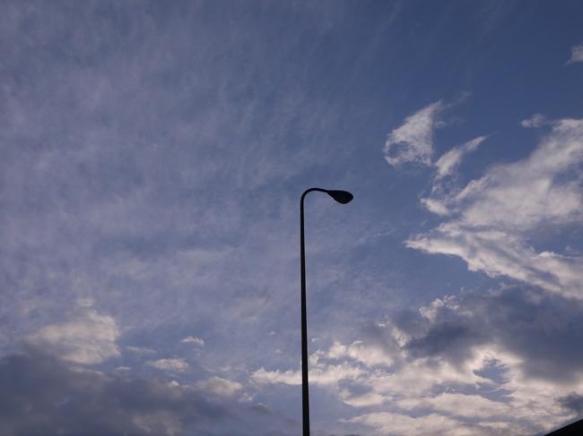 0636_船橋から青空.JPG