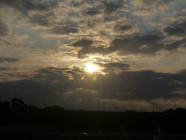 0639_18日の朝日.JPG