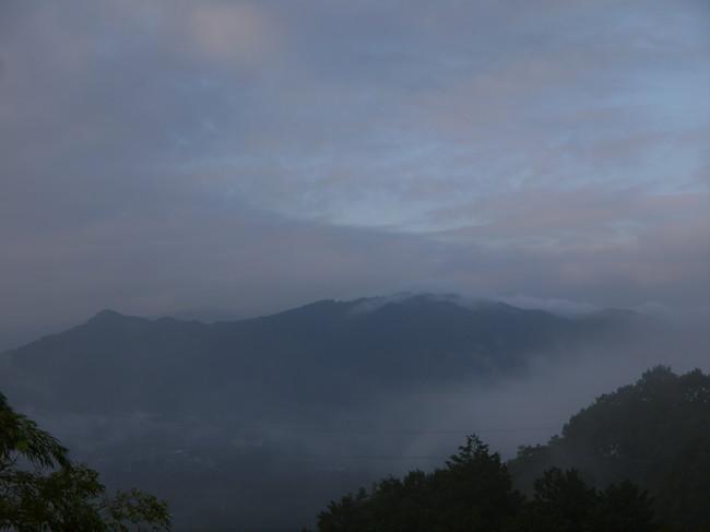 0647_大垂水峠から道志の山々.JPG