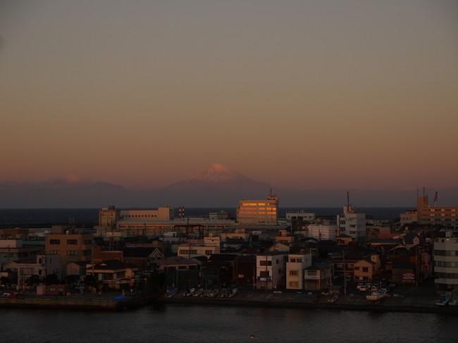 0648_朝日に輝く富士.JPG