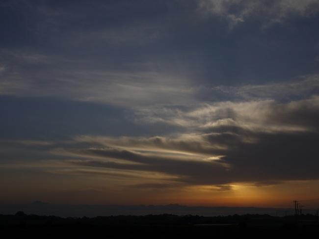 0648_朝焼けと千葉の山々.JPG