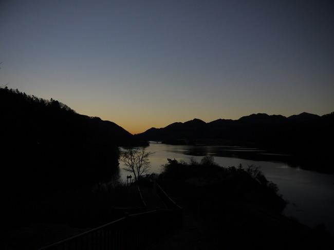 0652_宮ケ瀬湖朝焼け.JPG