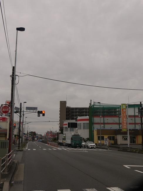 0657_ガラガラの国道16号.JPG
