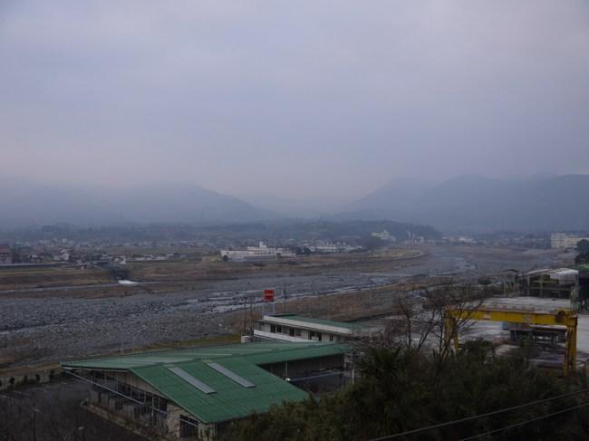 0657_残念、富士山は厚い雲の向こう.JPG