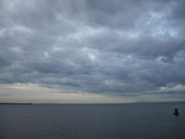 0701_材木座海岸から伊豆高原.JPG