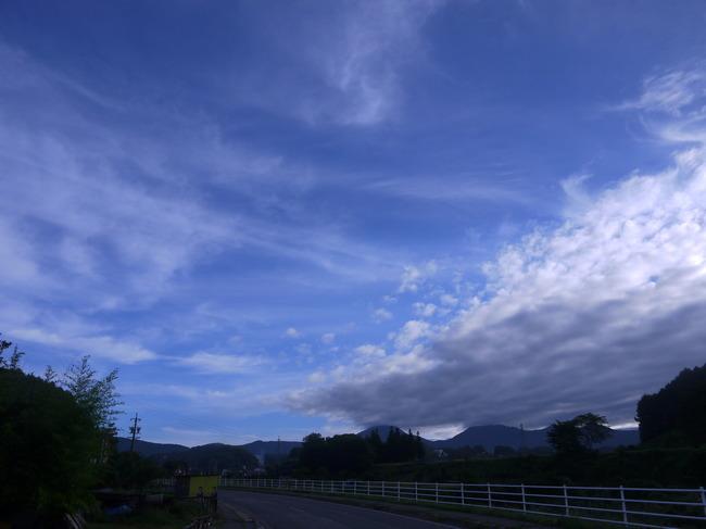 0704_気持ちが良い県道192号線.JPG