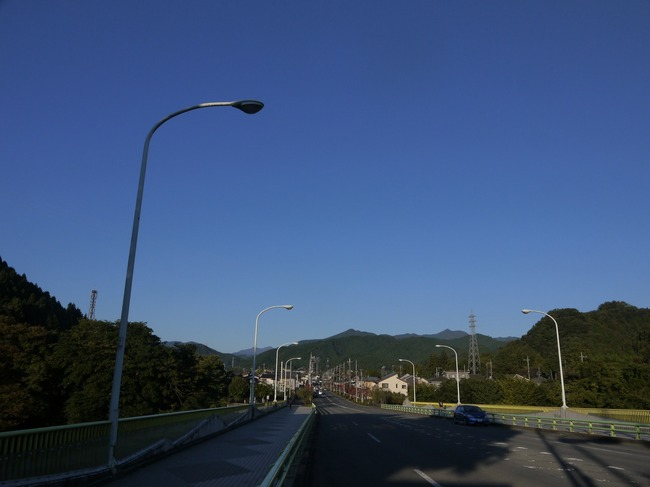 0711_武蔵五日市駅の手前の大橋.JPG