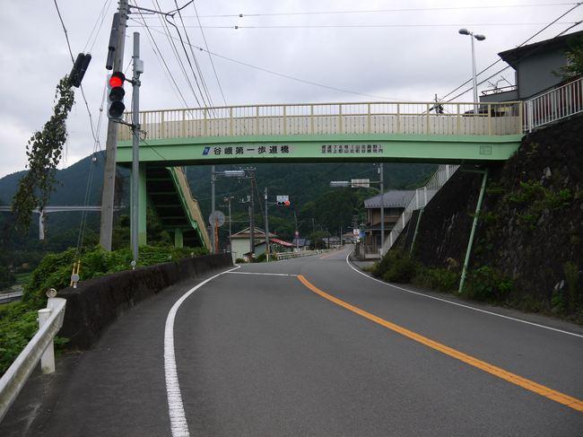 0718_谷峨から旧道246号.JPG