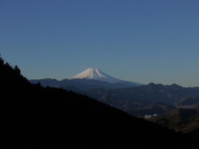 0747_裏和田から初富士.JPG