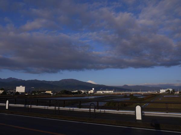 0753_酒匂川から富士.JPG