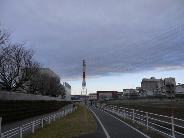 0756_境川から町田.JPG
