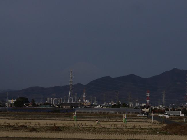 0812_霞む富士山.JPG