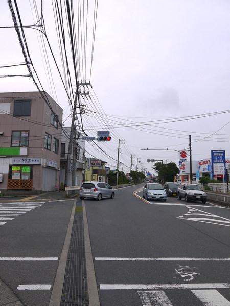 0814_三崎口の長い上り.JPG