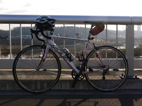 0816_鷺踊橋とF85.JPG