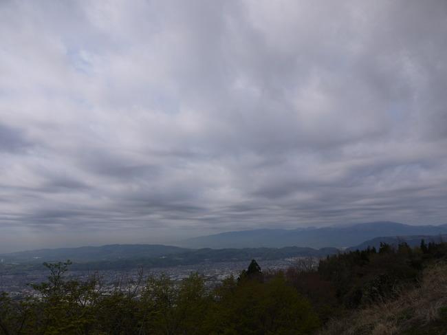 0821_富士は厚い雲の向こう.JPG