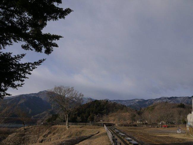 0821_雪べったりの西丹沢の山々.JPG