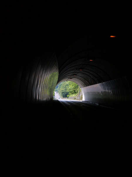 0823_宮が瀬のトンネル.JPG