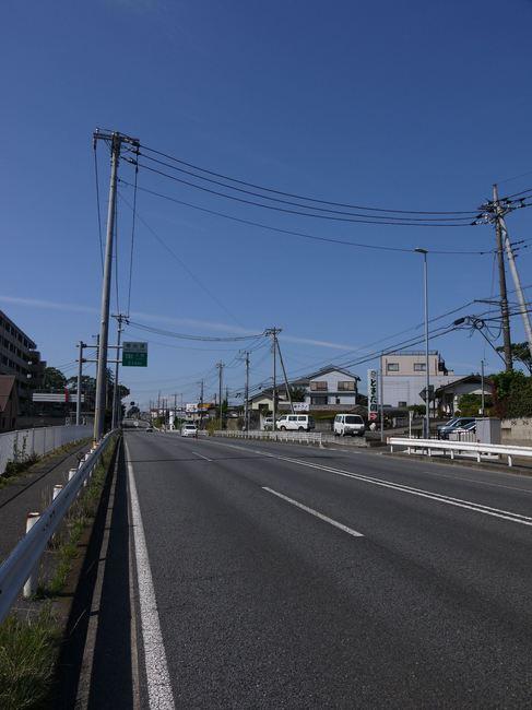 0851_ガラガラの国道16号.JPG