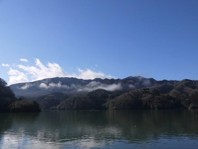 0853_相模湖で休憩.JPG
